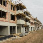 Wille i rezydencje: 3 ważne pytania, jakie warto zadać wybierając projekt domu
